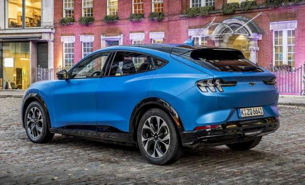 Ford Mustang Boss 2021